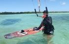 cours kitesurf guadeloupe flotteur à la main